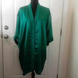 (3/$20) Delicates green robe with sheer sleeves